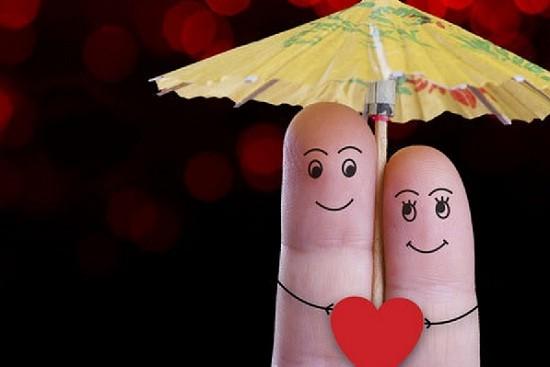 Suami Istri Saling Cinta